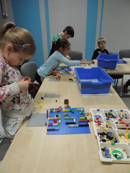 zajecia pozalekcyjne rzeszow zajecia dla dzieci klocki lego (5)