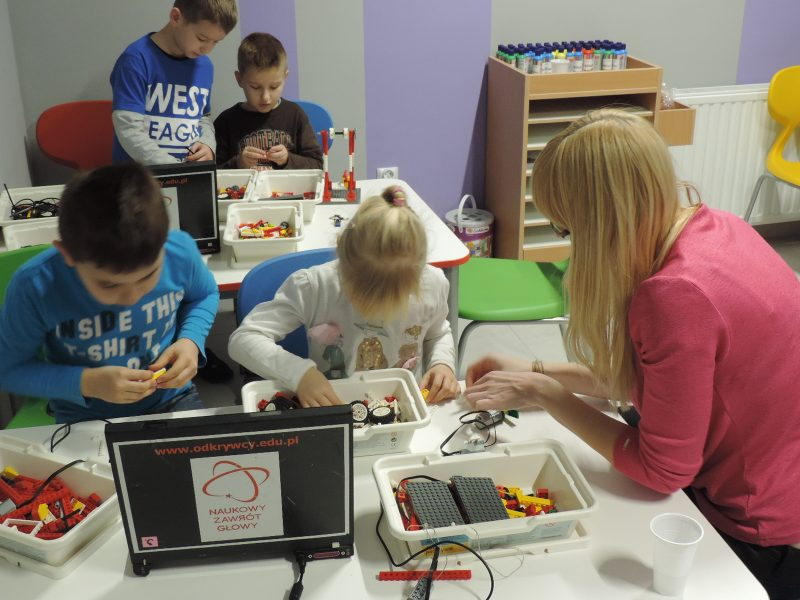 zajecia pozalekcyjne rzeszow zajecia dla dzieci klocki lego (6)